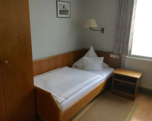 einzellzimmer3